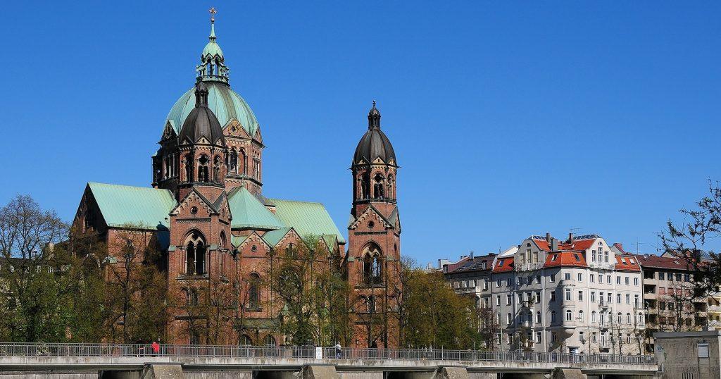 Mieterverein München e.V. über die Mitepreisbremse. Mieten am Isarufer explidoeren