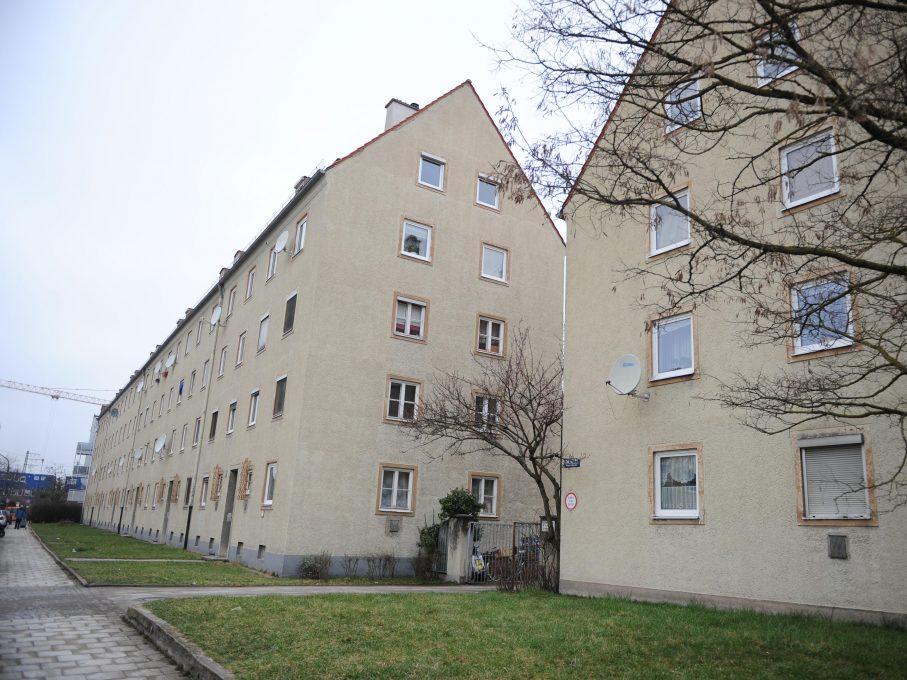 Wohnanlage aus den Fünfziger Jahren des Wohnungsunternehmens GBW an der Nimmerfallstraße 60-76 in Pasing.